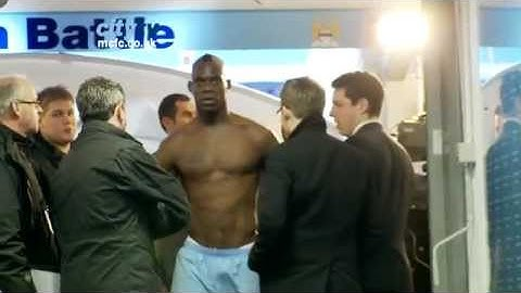 TUNNEL CAM: City v Spurs 2011/12 Behind the scenes at at the Etihad Stadium