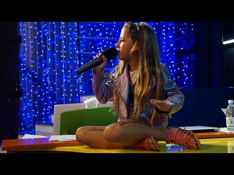 John Legend - All of me - by 8 years old ARIANN ( LIVE TV)