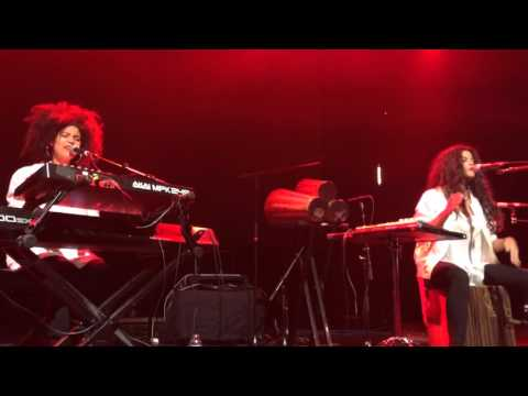 Ibeyi Perform Mama Says at Royale Boston October 3, 2015