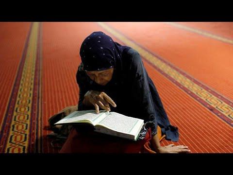 فيديو: المسلمون في أنحاء العالم يستقبلون شهر رمضان