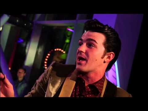 Interview + Sunny Afternoon - Drake Bell