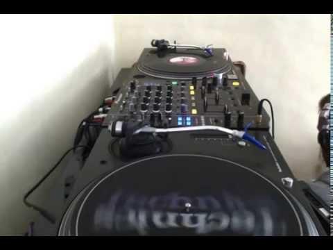 Tony De Vit Tribute Mix!! Jamie Scott