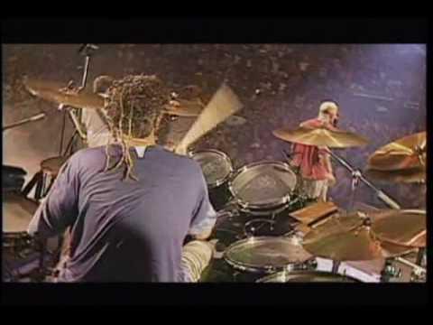 La danza de los muertos pobres (Afro) - Bersuit (DVD de la cabeza)