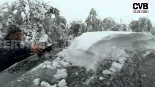 HEAVY SNOWFALL HITS WESTERN TURKEY