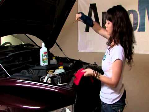 Auto Repair: How to Check the Engine Oil (Castrol GTX)