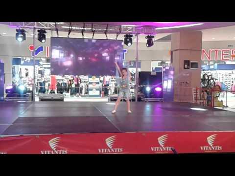 Andreea solo la Contra Punct Dance Show