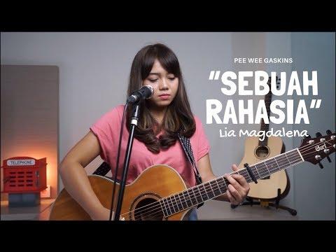 Download SEBUAH RAHASIA - PEE WEE GASKINS  LIVE  COVER BY LIA MAGDALENA  Mp4 baru
