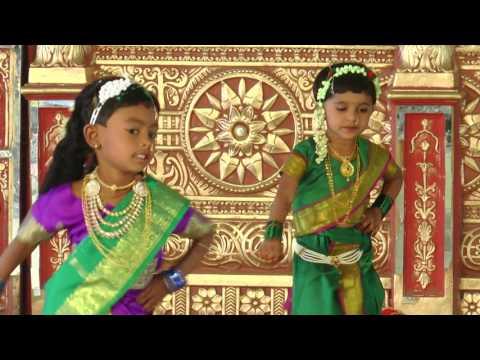 Kunya Gavacha Ala Pakharu - HD English Medium School Gathering Dance - 2016-17