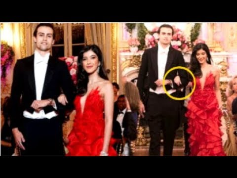 Shanaya Kapoor CUTE Video Walking Hand-In-Hand With BOYFRIEND At Le Bal Paris Event Mp3