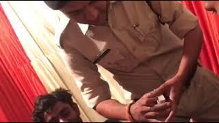 Raipur Police Constable : जुआरियों के साथ वर्दी में जुआ खेल रहा था आरक्षक, निलंबित