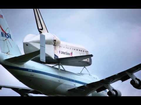 Space shuttle Endeavor says good bye to Houston Display