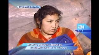 Incendio destruye fábrica de colchones en Villa El Salvador