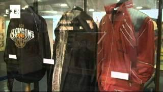 Subastan en Buenos Aires icónica chaqueta de Michael Jackson