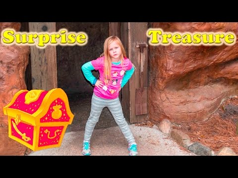 Secret Surprise Treasure Hunt on Tom Sawyer Island with the Assistant