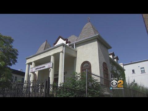 Borough Park Divided Over Synagogue's Future