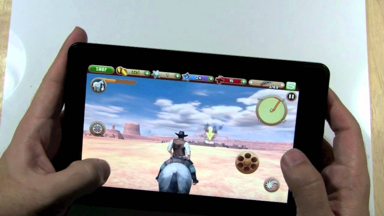 What are some free games available for the Kindle Fire?
