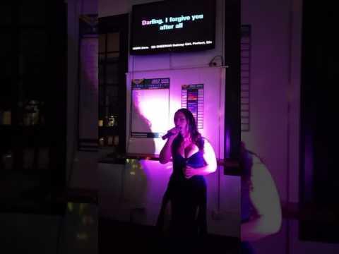 Lithium - karaoke at kangaroo valley - Sienna Mayfair