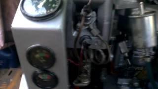 Работа дизеля 1ч 8,5/11 Old soviet diesel engine.