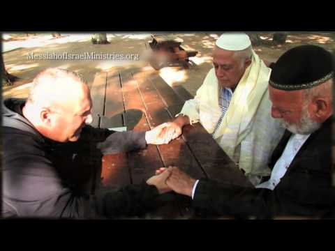 Messiah of Israel Ministries sharing the love of Yeshua in Israel daily