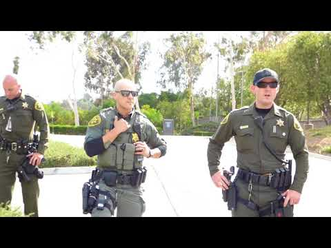 """Laguna Niguel Police Dept. (Officer- """" WHAT R WE DOING?  WHAT'S YOUR NAME ?"""" ) 1st Amend Audit"""
