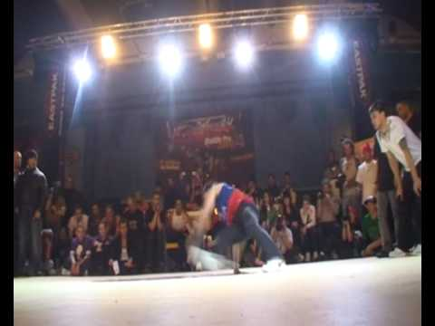 NORTH FRANCE DREAM TEAM VS BBOYWORLD TEAM (CHELLES BATTLE PRO 2009) WWW.BBOYWORLD.COM