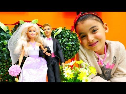 Barbie evleniyor - kukla giydirme ve saç yapma oyunu