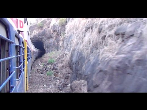Magnificient Bhor Ghats & Other Spectacular Scenes during Mumbai - Lonavala Train Journey !!!