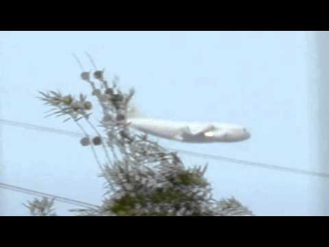 UFO Chases Military Aircraft C-17...