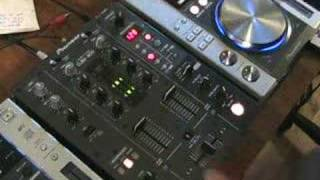 DJ Tutorial,Video 2, using the x fade in the mix