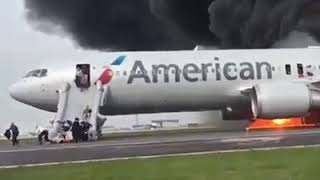 #American #Airlines plane catches fire on Chicago runway #2019
