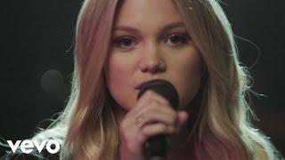 Смотреть клип Olivia Holt - Thin Air