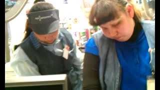 Кассир в магазине Перекресток (м.Динамо)(Украли чек, в кассе +33 рубля, рабочие просто ушли с работы по домам. Это нормально? Отправил запись в офис..., 2012-04-17T18:47:08.000Z)