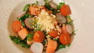 Салат с копченым лососем. Рецепт от шеф-повара.