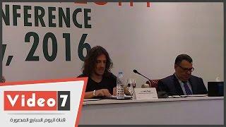 بالفيديو..لحظة وصول كارلوس بيول لاعب برشلونة وسط استقبال إعلامى كبير
