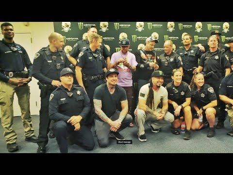 Five Finger Death Punch Honor Fallen Police Officers   Rock Feed