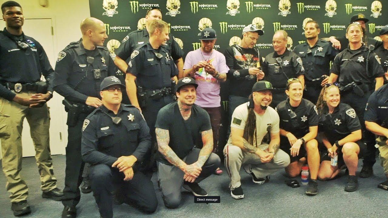Risultati immagini per Five Finger Death Punch police
