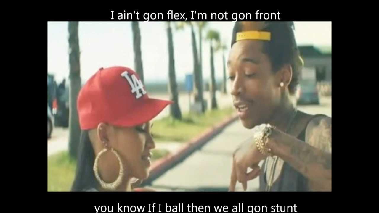 Wiz Khalifa - Roll Up (Official Video w/ Lyrics) - YouTube