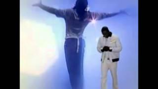 Michael Jackson & Akon ( Hold My Hand )