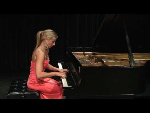 """Natalia Kartashova plays Verdi-Liszt """"Rigoletto"""""""