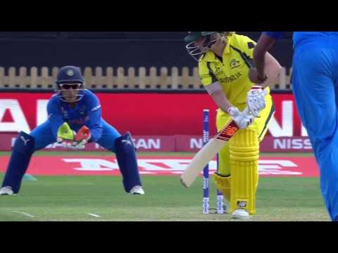 Lanning goes for a duck! - #WWC17 Nissan Play of the Day!