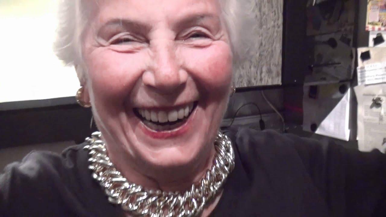 Big Grandma - Oma auf Crack (DubStep) - YouTube