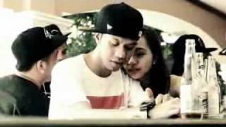 BREEZY BOYZ ft. KEJS BREEZY - TIWALA (OFFICIAL MUSIC VIDEO).flv