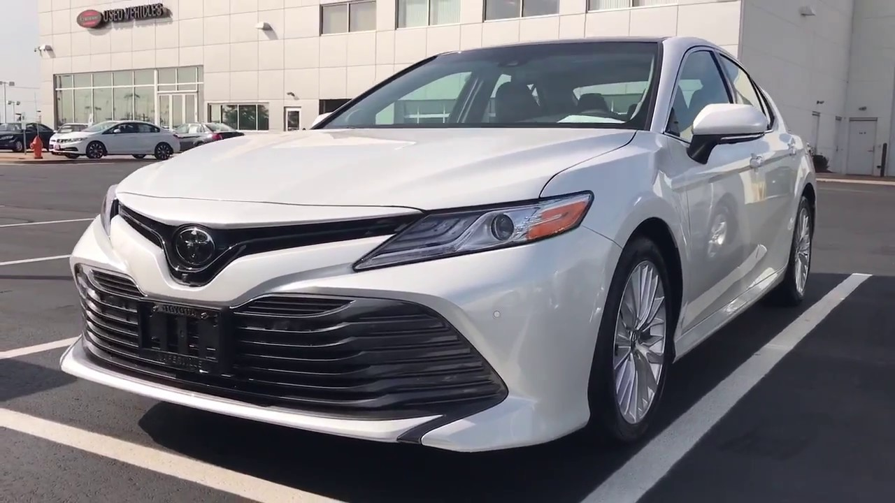 2018 toyota camry xle blizzard pearl ready for delivery. Black Bedroom Furniture Sets. Home Design Ideas