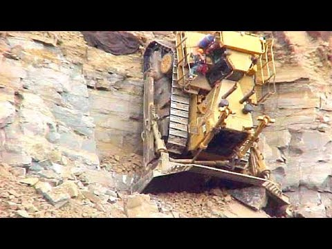 World Dangerous Idiots Bulldozer Heavy Equipment Operator Skill - Fastest Working Bulldozer Driving
