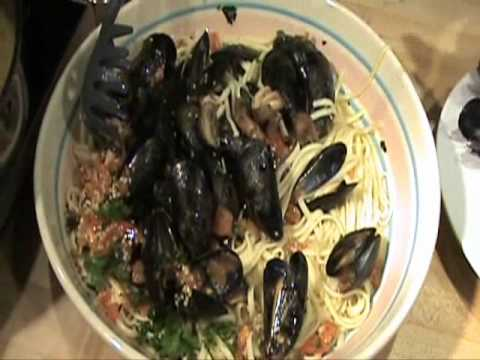 How to make steamed mussels provencal mushrooms linguini garlic sauce video recipe