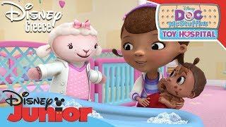 Η Μικρή Γιατρός - Το Μπάνιο του Μωρού | Doc McStuffins