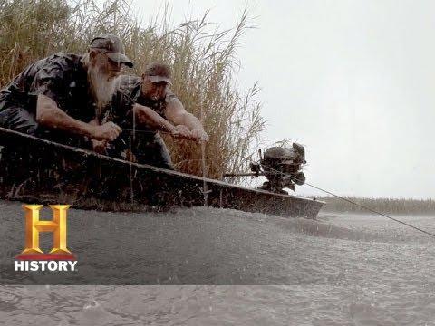 Swamp People: Beast of Bear Lake (S6, E20) | History