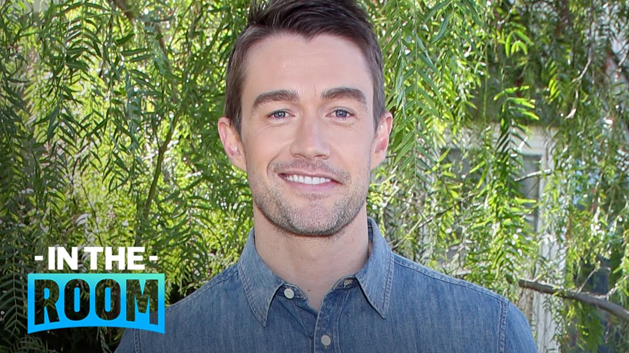 Robert Buckley Admits Sex Scenes Are Super Awkward to Film   E! Red Carpet & Award Shows