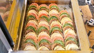 japanese street food - GYOZA ( japanese dumplings )