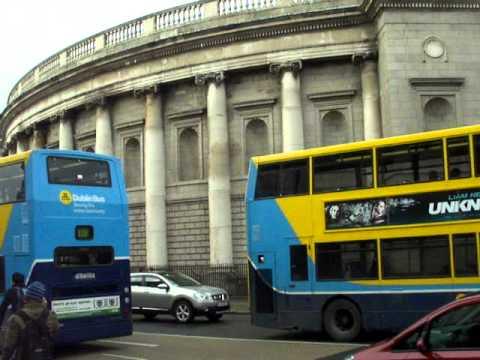 old irish parliament - definitive dublin walking tour